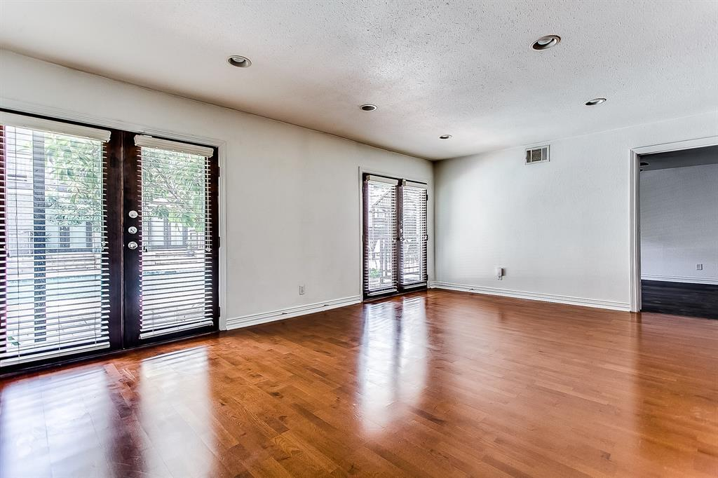 Property for Rent | 2722 Knight Street #407B Dallas, TX 75219 3