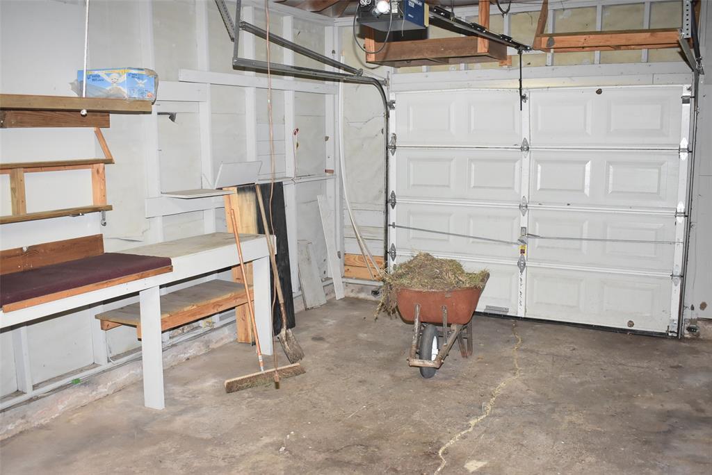 Active | 1720 Old Van Vleck Road Bay City, TX 77414 14