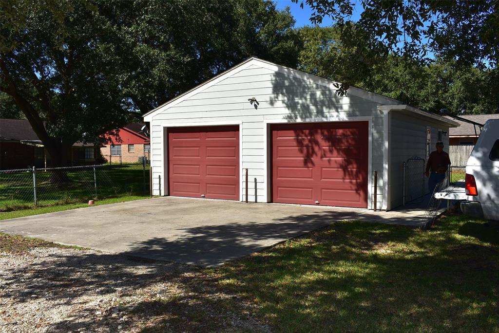 Active | 1720 Old Van Vleck Road Bay City, TX 77414 17