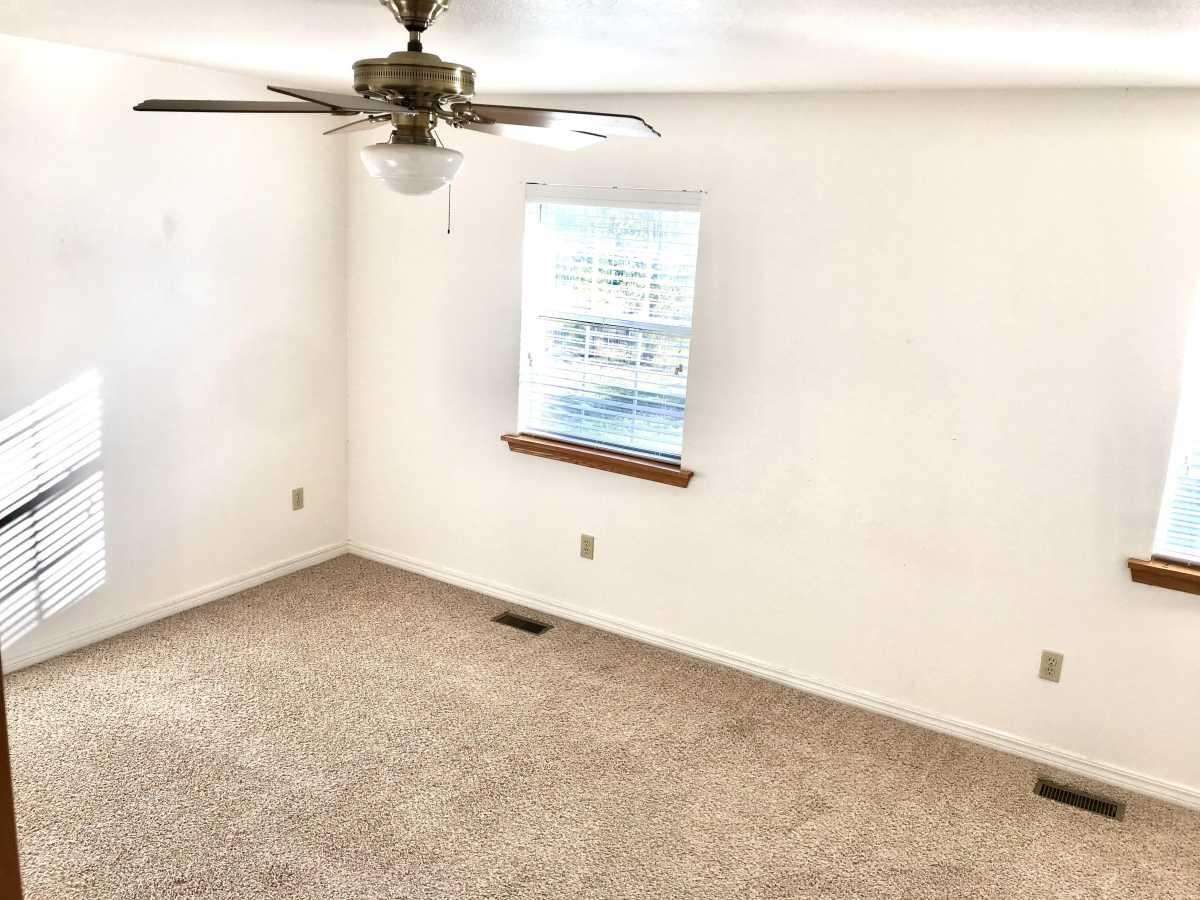 Property for Rent | Rental #16 Premium Senior Living  Pryor, OK 74361 4