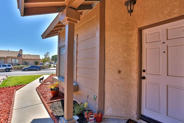 Closed | 13826 Starshine Drive Victorville, CA 92392 4