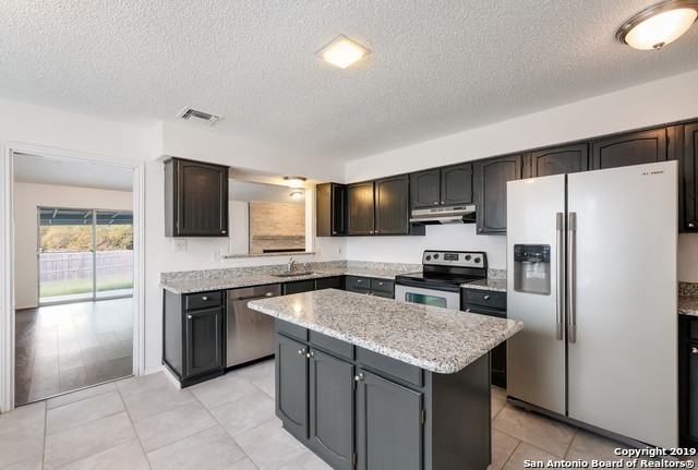 Active | 13815 CRESTED RISE  San Antonio, TX 78217 8