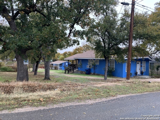 Active | 901 Woodland Hills Dr  Granite Shoa, TX 78654 1