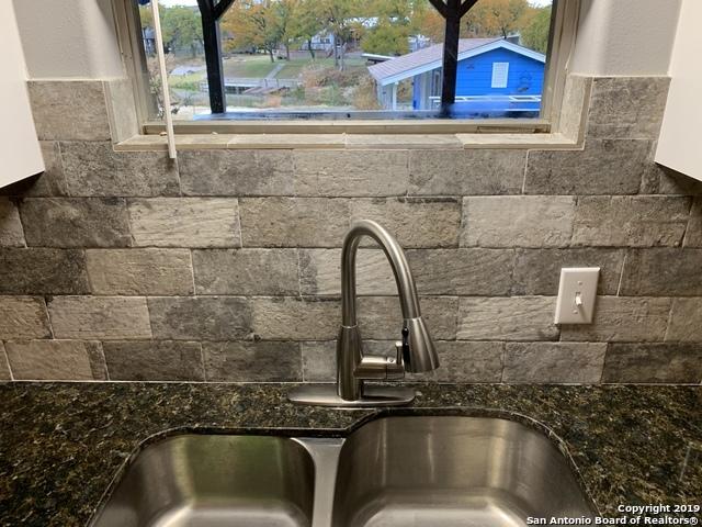 Active | 901 Woodland Hills Dr  Granite Shoa, TX 78654 12