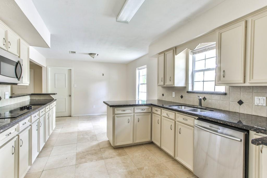 Property for Rent | 3839 Sun Valley Drive Houston, TX 77025 5