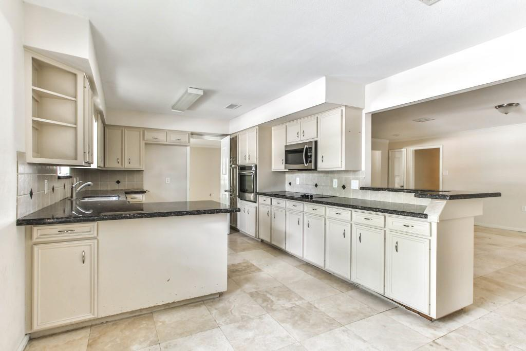 Property for Rent | 3839 Sun Valley Drive Houston, TX 77025 8