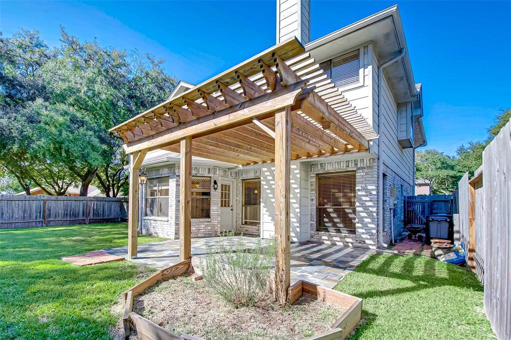 Pending | 4102 New Meadows Court Sugar Land, TX 77479 23