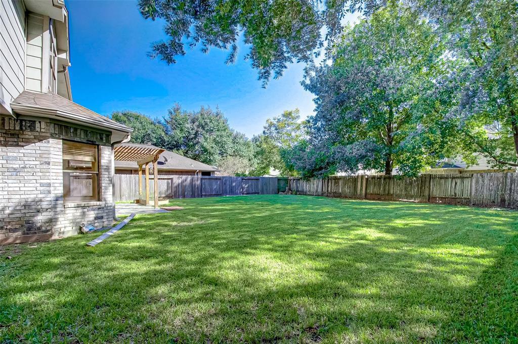Pending | 4102 New Meadows Court Sugar Land, TX 77479 27