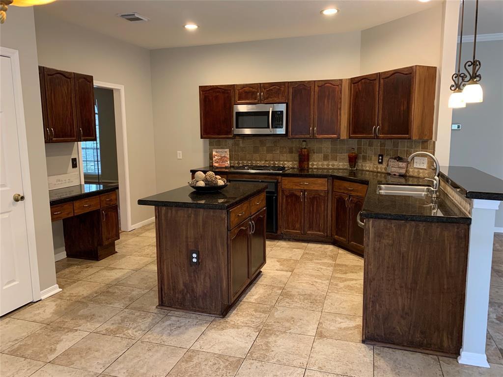 Pending | 4102 New Meadows Court Sugar Land, TX 77479 9