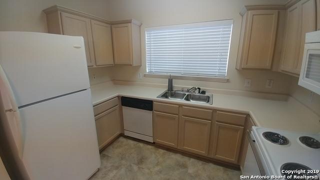Property for Rent | 2622 Crown Hollow  San Antonio, TX 78251 4