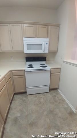 Property for Rent | 2622 Crown Hollow  San Antonio, TX 78251 5