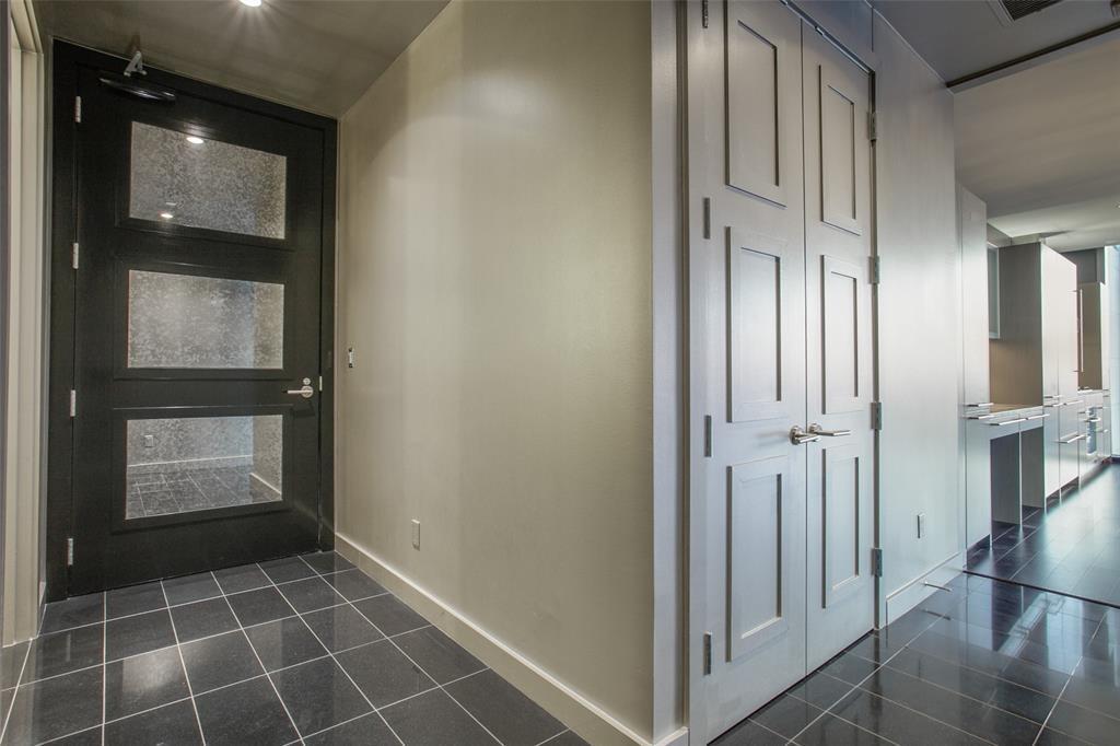 Sold Property | 2900 Mckinnon  #1803 Dallas, TX 75201 4
