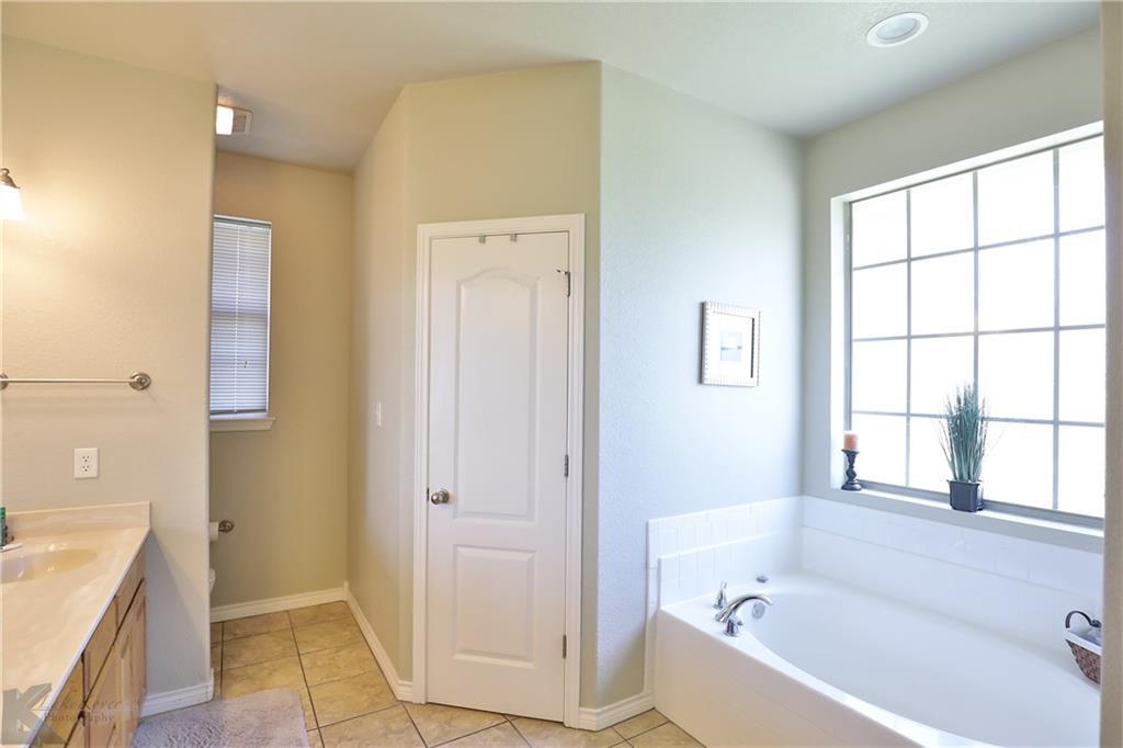 Homes for rent in Abilene Texas | 702 Lone Star Drive Abilene, TX 79602 14