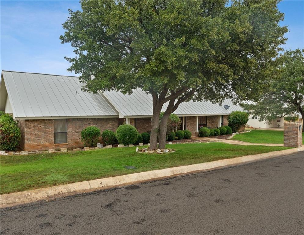 Active   509 E Granite Street Llano, TX 78643 1