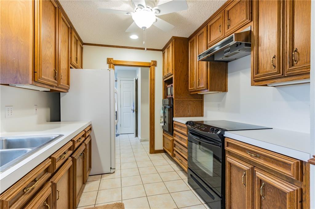 Active   509 E Granite Street Llano, TX 78643 10