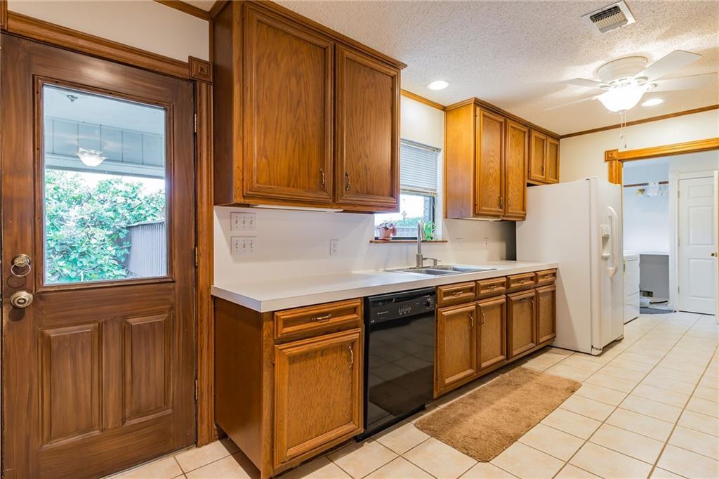 Active   509 E Granite Street Llano, TX 78643 8