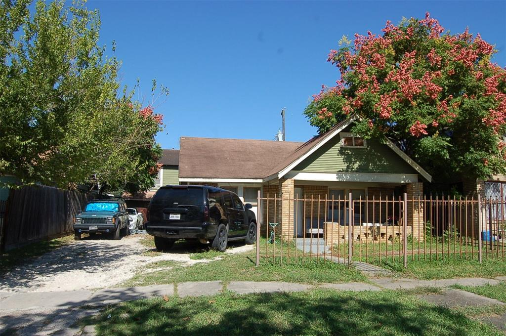Active   4741 Pease Street Houston, Texas 77023 0