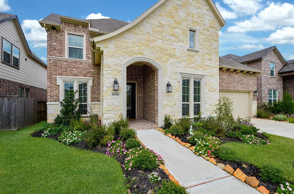 Pending | 10039 Cypress Path Missouri City, TX 77459 3
