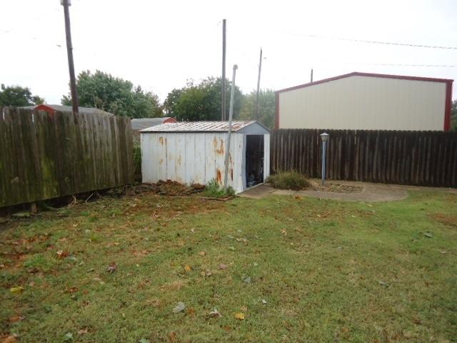 #century21groupone,#homesforsaleponcacity,#poncacityrealestate   3414 Meadow Lane  Ponca City, OK 74604 25