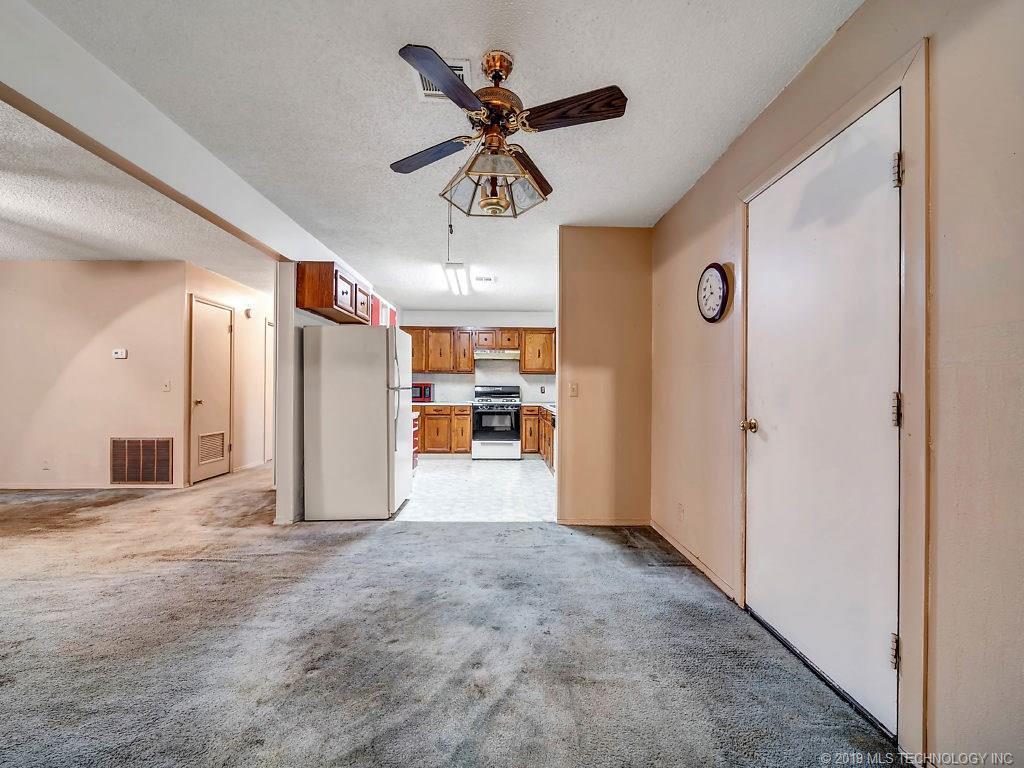 Active   324 N Bell Street Vinita, OK 74301 16