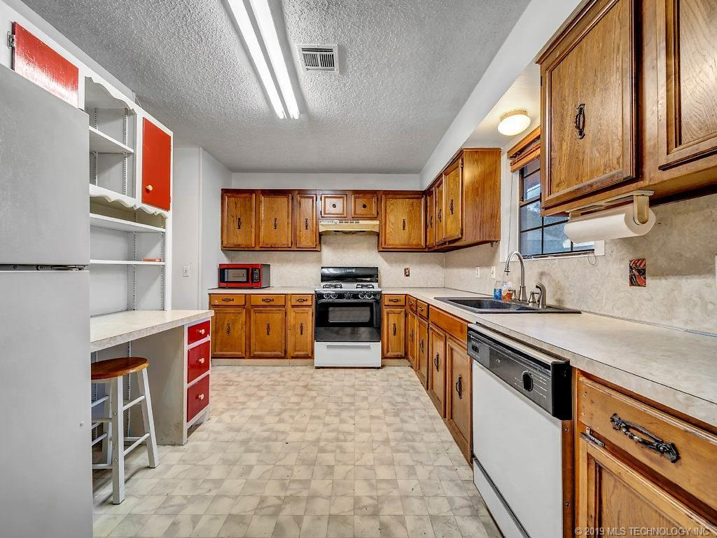 Active   324 N Bell Street Vinita, OK 74301 18