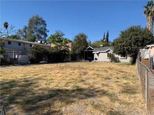Closed | 376 E 17th Street San Bernardino, CA 92404 14
