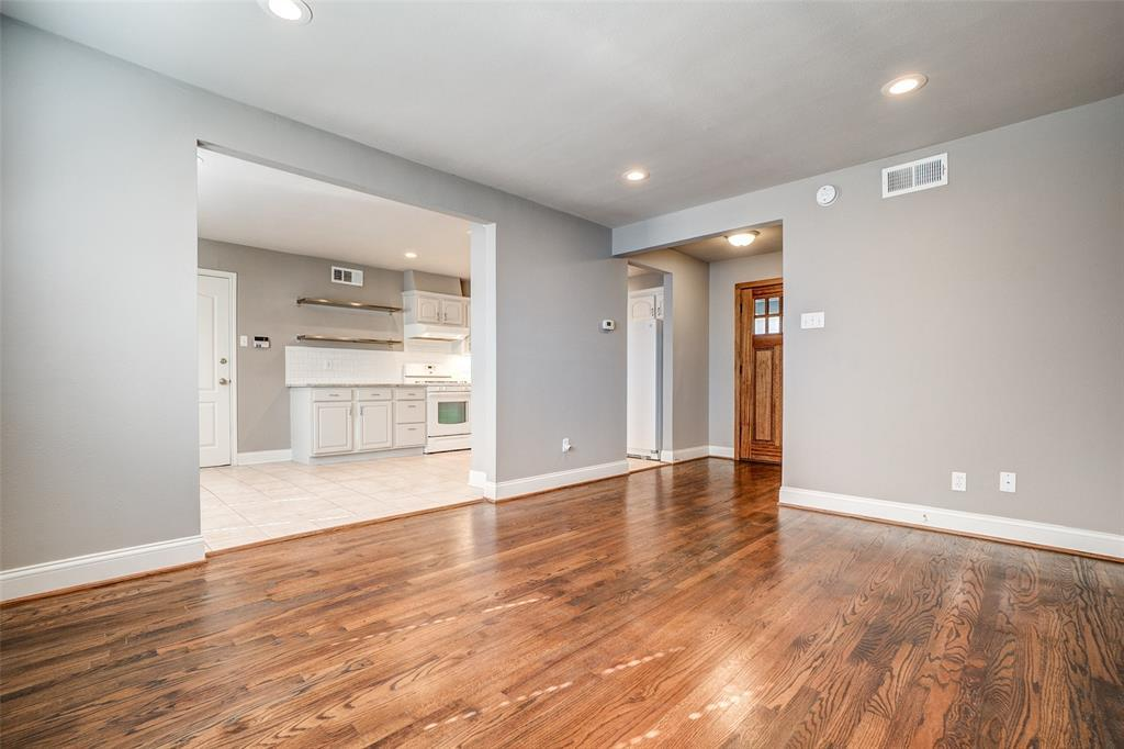 Property for Rent | 2546 Inadale Avenue Dallas, TX 75228 3