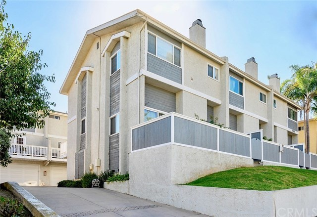 Closed | 1916 Mathews Avenue #B Redondo Beach, CA 90278 1