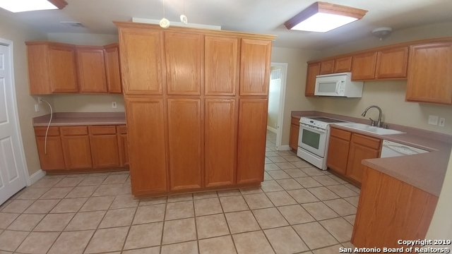 Property for Rent | 128 MARY D AVE  San Antonio, TX 78209 8