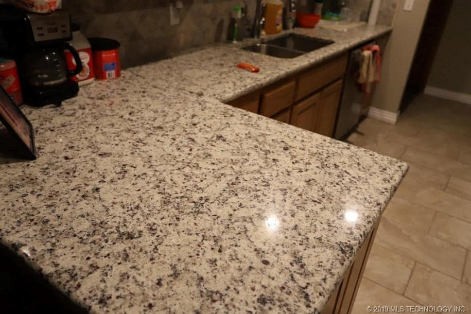 Homes, for sale, pryor, oklahoma, 3 bedrooms, brick | 109 Chukker Drive Pryor, OK 74361 13