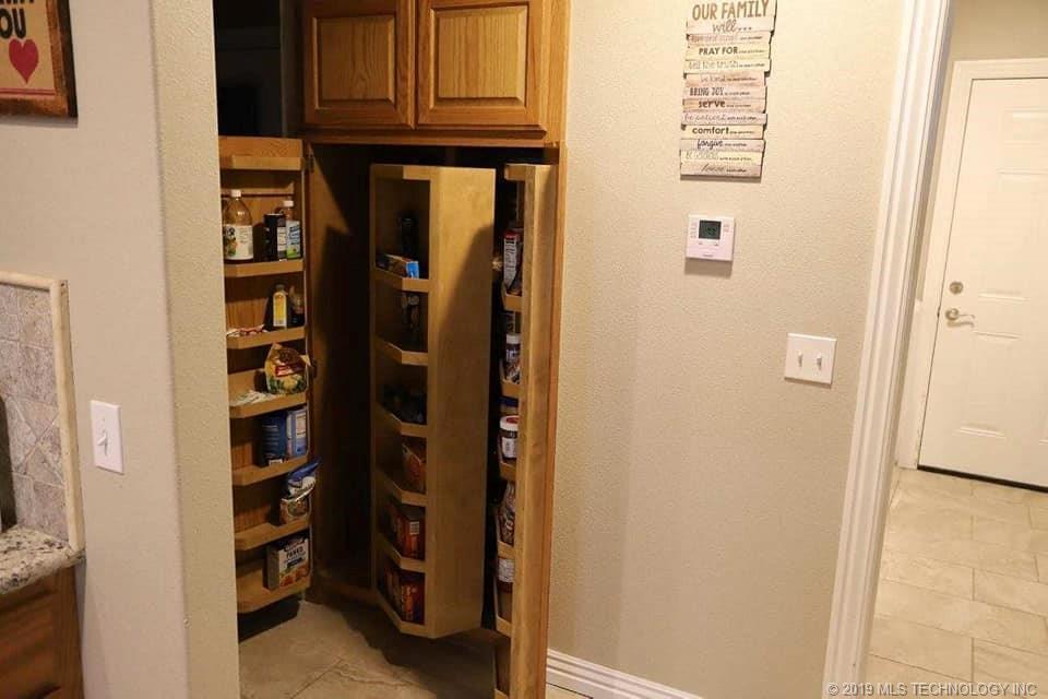 Homes, for sale, pryor, oklahoma, 3 bedrooms, brick | 109 Chukker Drive Pryor, OK 74361 15