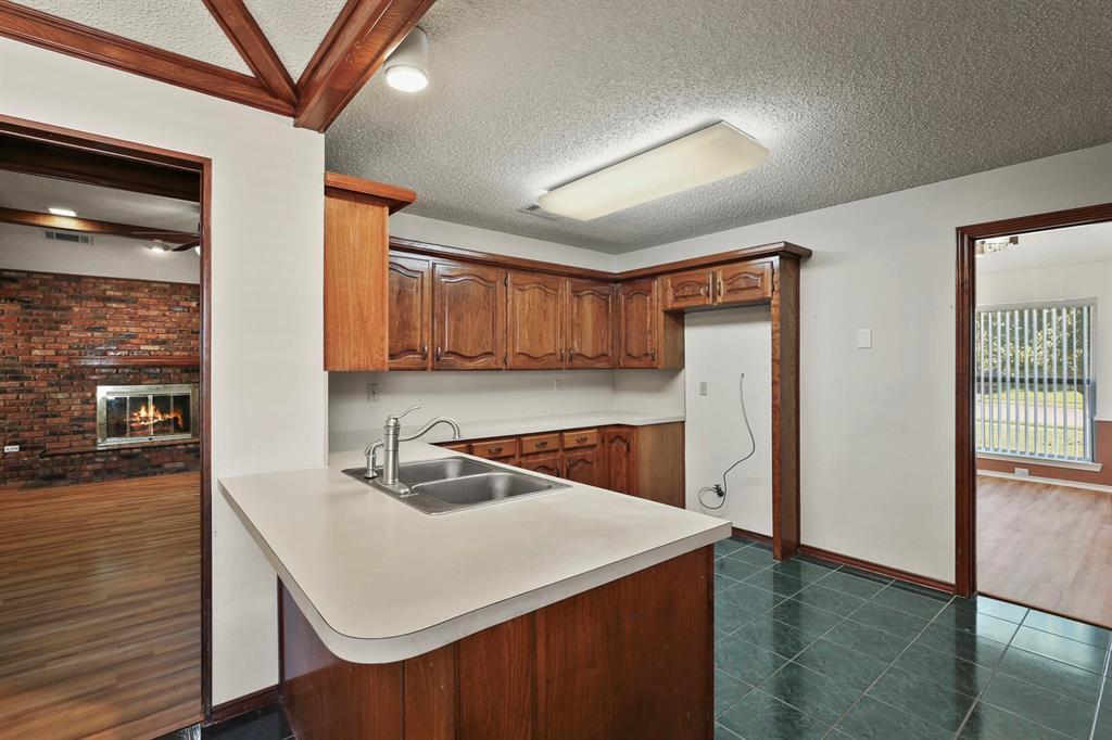 Sold Property   1118 Stonewall Street Garland, TX 75043 12