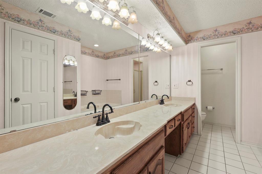 Sold Property   1118 Stonewall Street Garland, TX 75043 23
