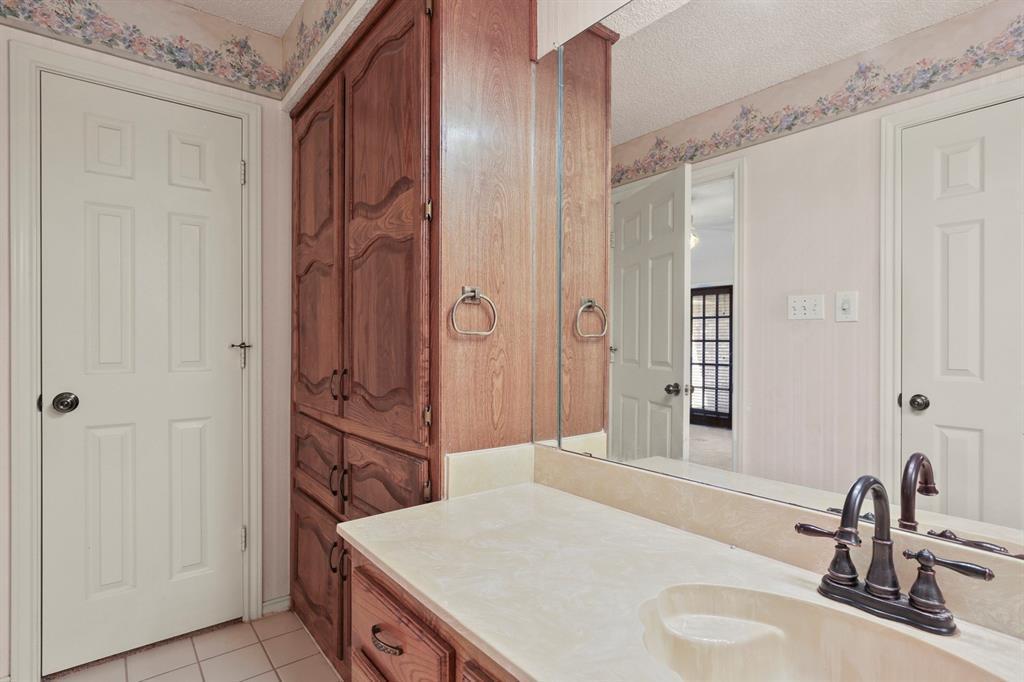 Sold Property   1118 Stonewall Street Garland, TX 75043 26