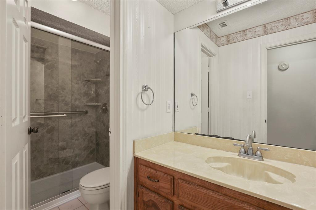 Sold Property   1118 Stonewall Street Garland, TX 75043 32