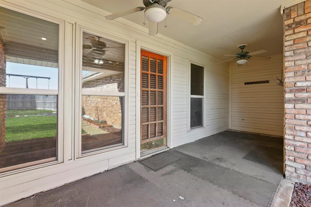 Sold Property   1118 Stonewall Street Garland, TX 75043 33