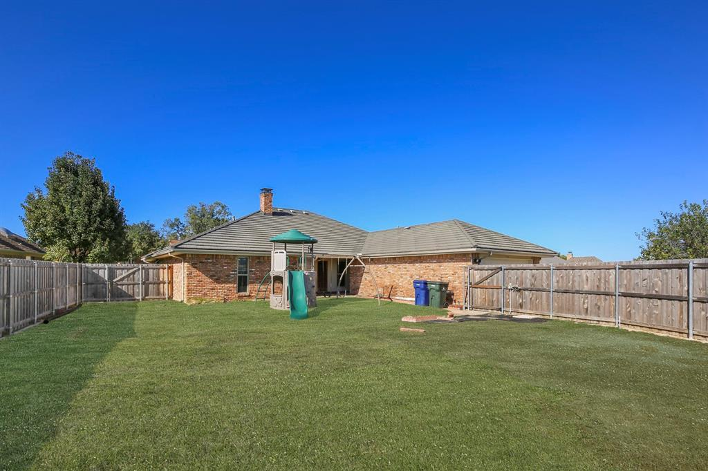 Sold Property   1118 Stonewall Street Garland, TX 75043 35
