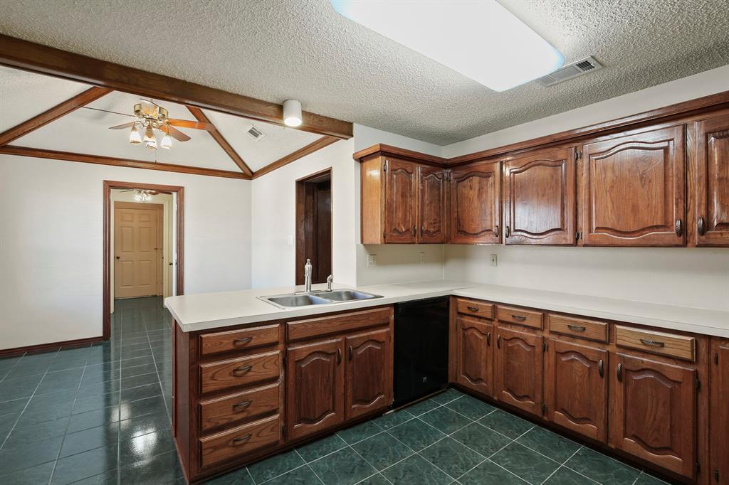 Sold Property   1118 Stonewall Street Garland, TX 75043 9