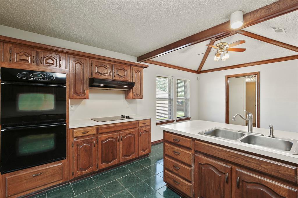 Sold Property   1118 Stonewall Street Garland, TX 75043 10