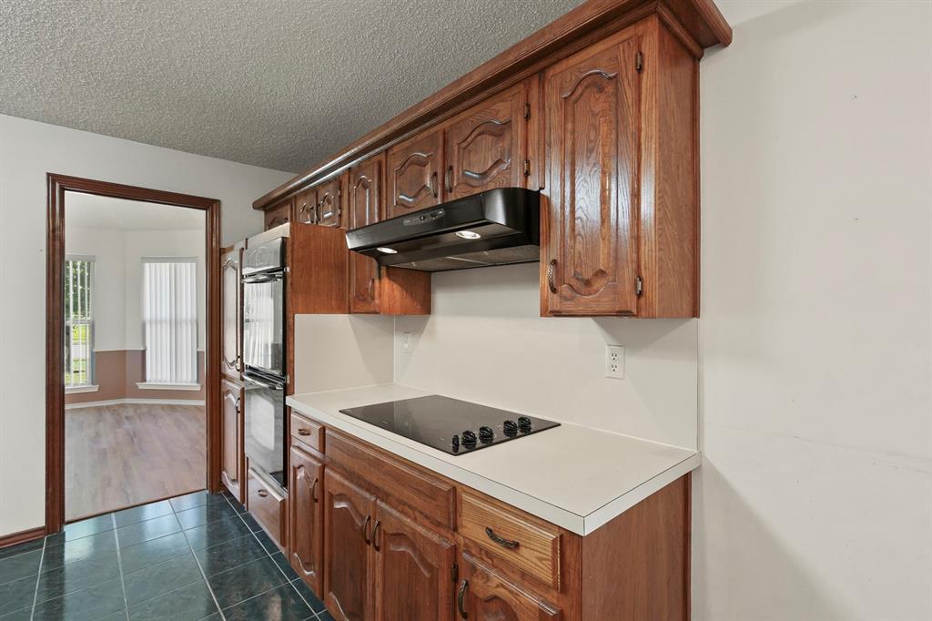 Sold Property   1118 Stonewall Street Garland, TX 75043 11