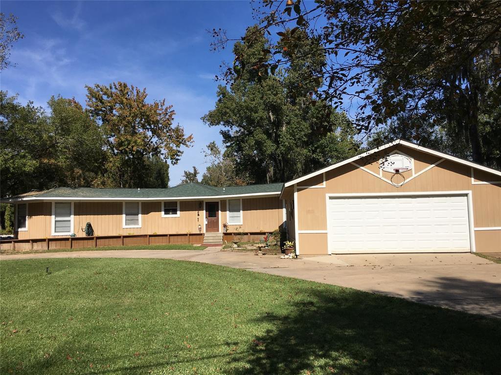 Active   1 Lake View Drive Huntsville, Texas 77320 26