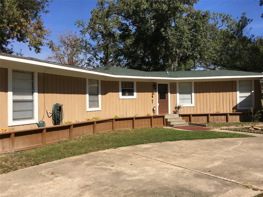 Active   1 Lake View Drive Huntsville, Texas 77320 27