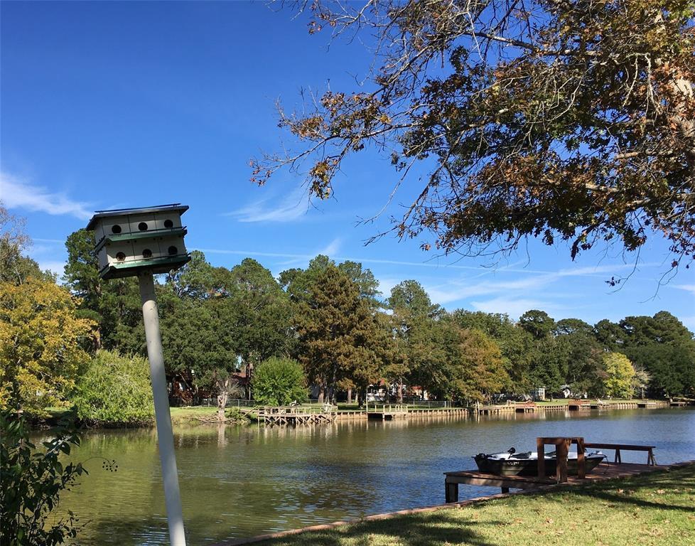 Active   1 Lake View Drive Huntsville, Texas 77320 41