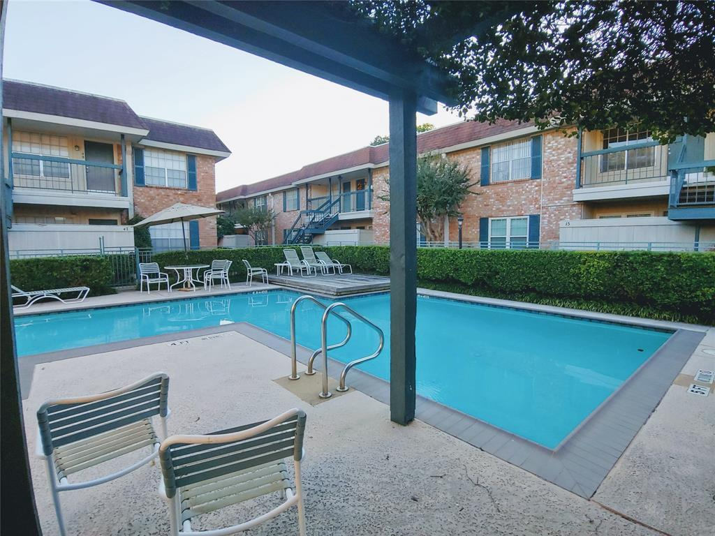 Active | 845 Augusta Drive #12 Houston, TX 77057 15