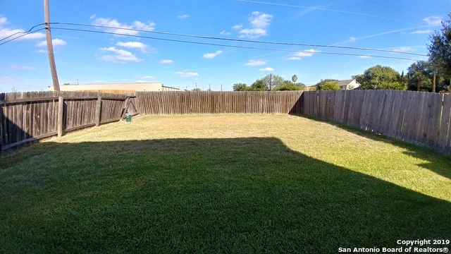 Property for Rent   8223 MAPLE MEADOW DR  Converse, TX 78109 21