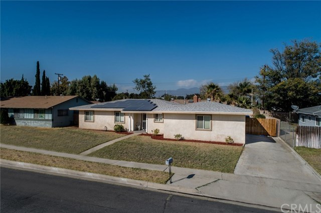 Closed | 750 E Home Street Rialto, CA 92376 1