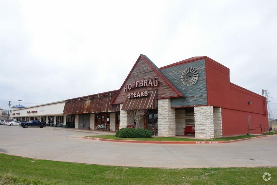 Leased | 4613 Denton Highway Haltom City, TX 76117 0