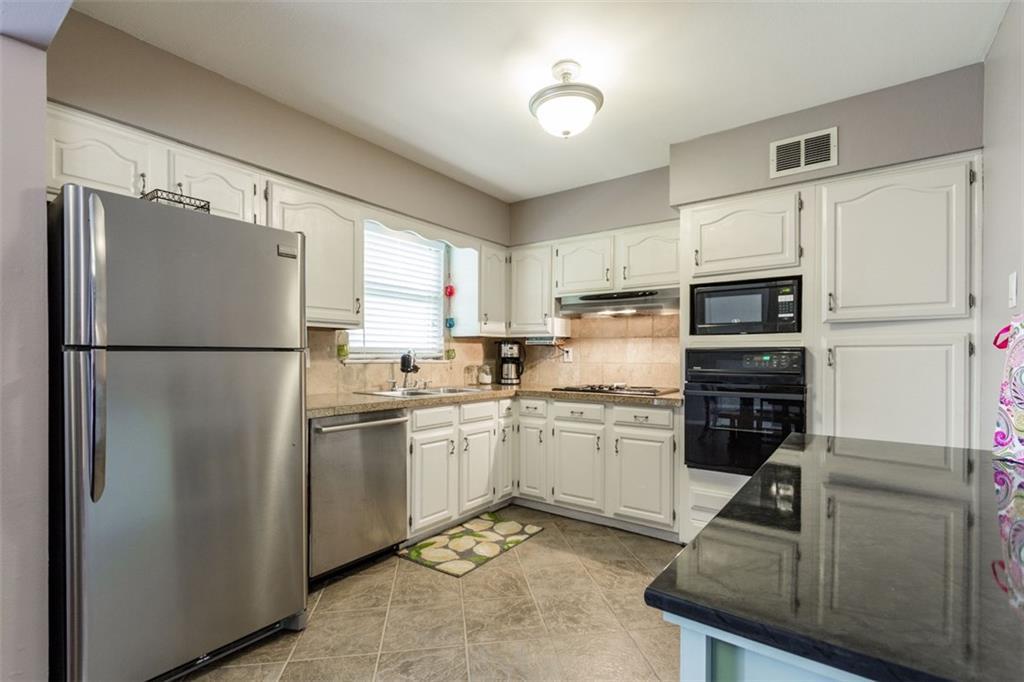 Sold Property | 11327 Lippitt Avenue Dallas, Texas 75218 10