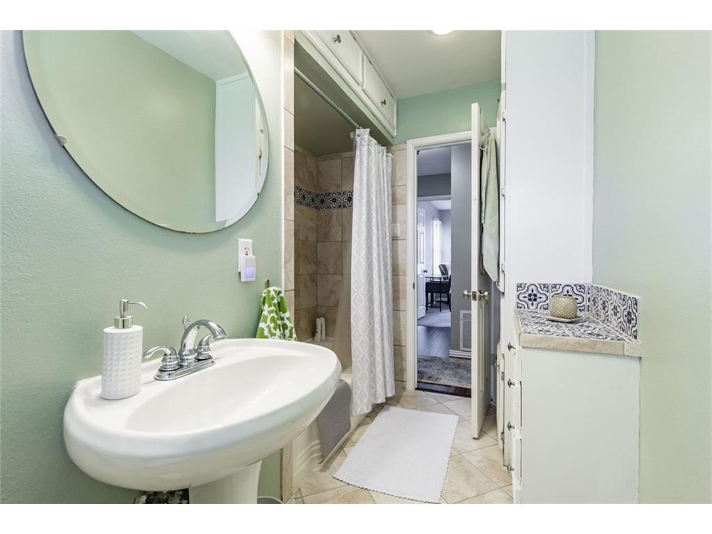 Sold Property | 11327 Lippitt Avenue Dallas, Texas 75218 14