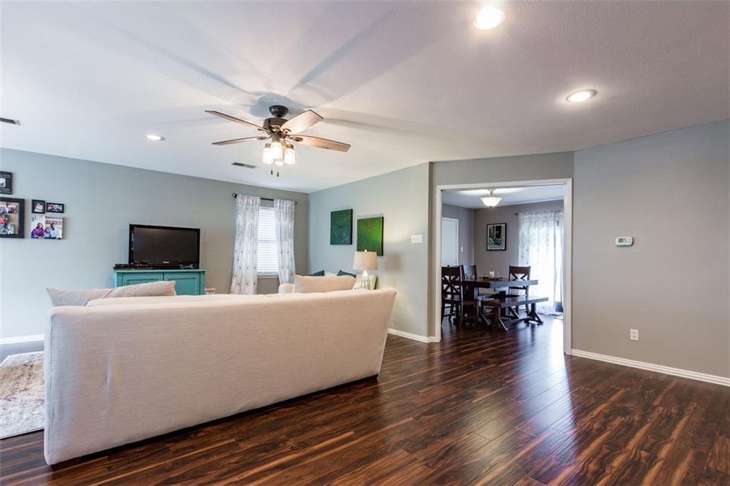 Sold Property | 11327 Lippitt Avenue Dallas, Texas 75218 2